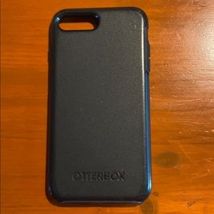 Black Otter-box Case for IPhone 7/8